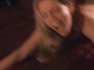 Kelly Howard follada de perrito en BODY OF INFLUENCE II