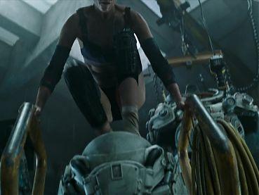 Kristen Stewart. Jessica Henwick - Underwater